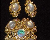Beautiful Avante Brooch and Earring Set Cabochons Rhinestones and Crystal