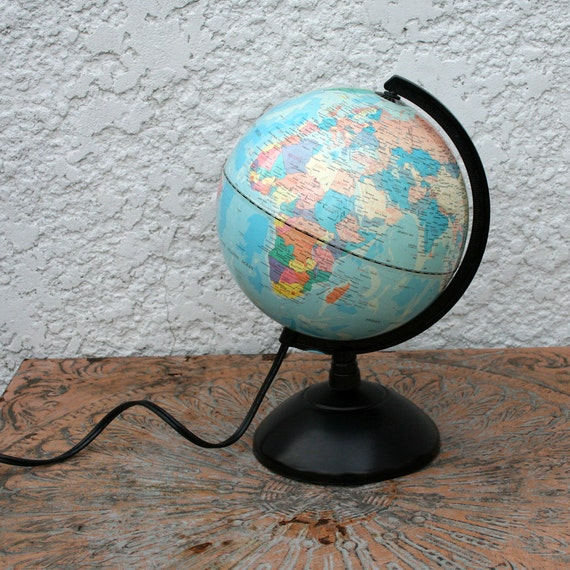 Fucashun Illuminated Globe Lamp