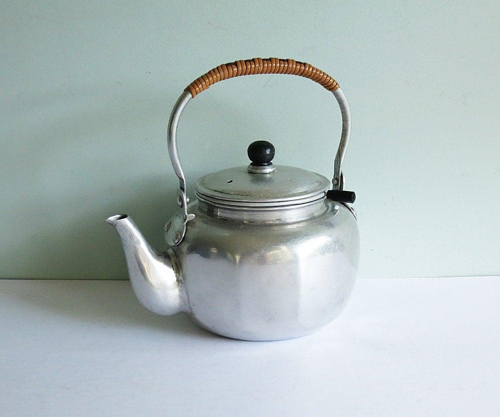 vintage 2 cup aluminum teapot made in japan. Black Bedroom Furniture Sets. Home Design Ideas