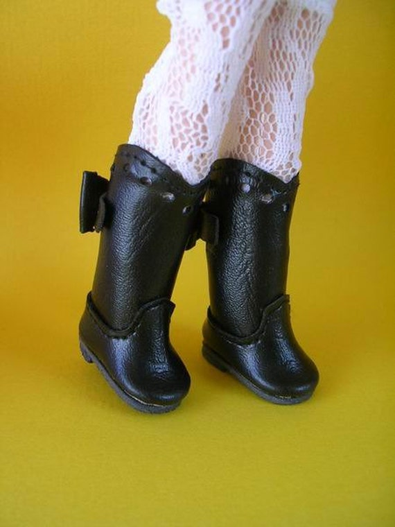 Blythe Boots with a Ribbon (Black)