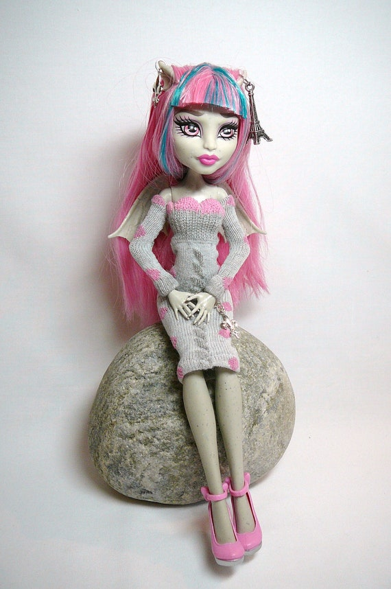 Monster High Paris Doll Dress and Jewellery