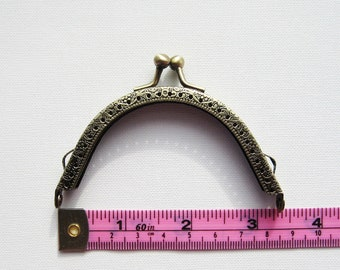 8.5cm 3.375inch antique brass bronze embossed purse frame kiss lock clasp snap sewing sew in on holes chain key loop craft bead crochet knit
