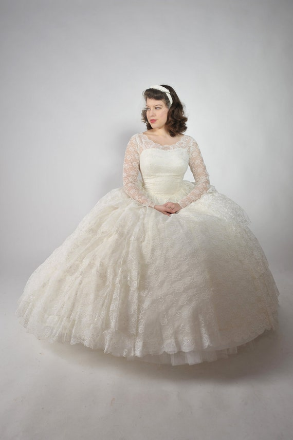 Vintage 1950s Wedding Dress // Classic 1950s Full Skirt Tiered Lace Wedding Gown with Sequins