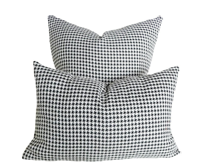 12x18 black white plaid pillows lumbar by pillowthrowdecor on etsy. Black Bedroom Furniture Sets. Home Design Ideas