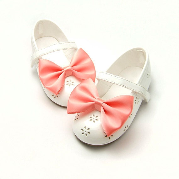 Satin Shoe Clips, Bridal Shoe Clips, 3 inch Satin Tuxedo Bows, Bow Tie Shoe Clips, Wedding Flower Girl Bridesmaids Coral 60 colors