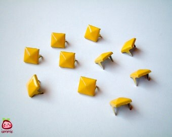 Yellow Square Studs, Leather Craft Studs, set of 10, pin, button, bead, silver, jaws, fang, rock, punk, metal, aluminium