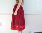 Fox Hunt Vintage Early 90s Mid Length Long Dark Red Hunting Scene Printed FULL Skirt SMALL S