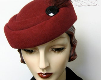 1940's French Sculpted Toque/Claret