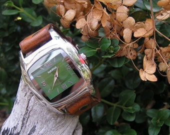 Mini Terra Brown Leather Watch with Green Watch-face