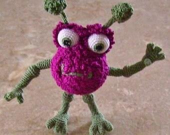 Bonnie's OOAK  Crochet Cotton Thread Item Violet Bug Eyed Mini Monster  @cyicrochet/Not A Toy