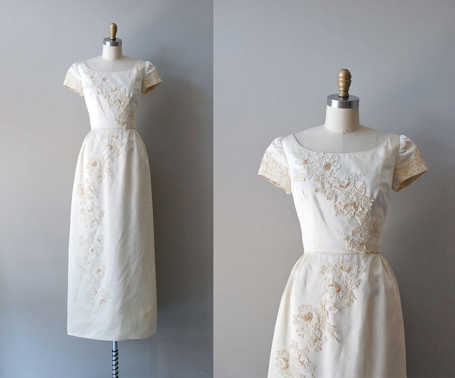 Vintage Wedding Dress / 1960s Wedding Gown / Ivory Tower Dress