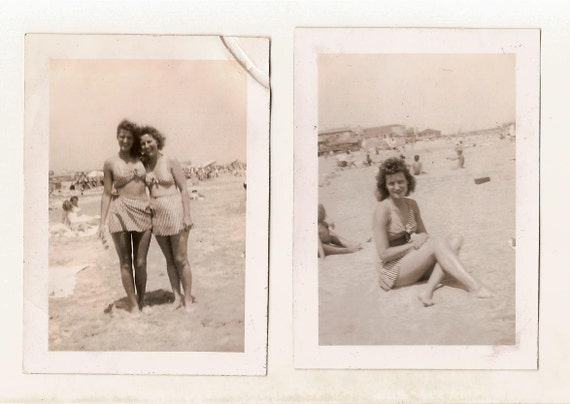 lot 2 vintage photos Pretty Woman in Sexy 2 Piece Swimsuit Leggy Pinup Pose Teen Girls Hug