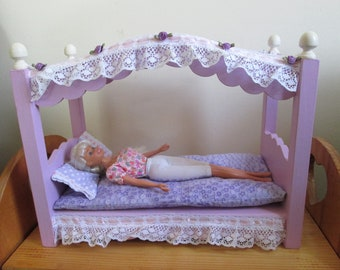 "Barbie, momoko, blythe or any 11"" tall doll canopy bed"