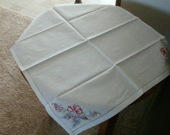 26x27 Luncheon tablecloth