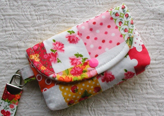 Medium Snap Wristlet ... Annie's Farm Stand Patchwork