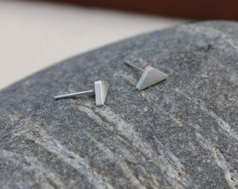 Mini Triangle earrings. Small Sterling silver post earrings. silver studs. minimalist. geometric. Little. small. petite. handmade. triangles