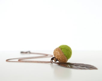 Moss Green Acorn Necklace, Natural Needle Felted Wool Jewelry, Nature Inspired and Eco Friendly Fall Autumn Jewelry