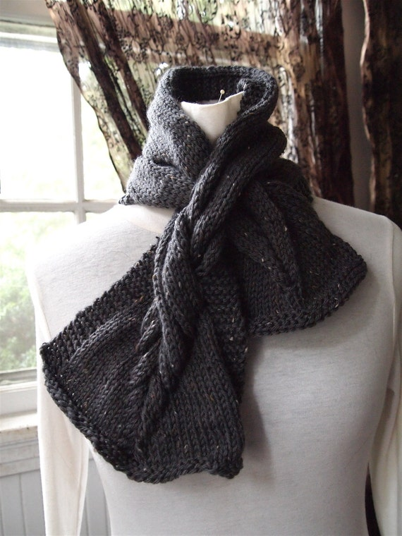 Mini Twist Scarf Knitting Pattern by KnitChicGrace on Etsy