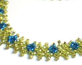 Neon Green and Blue Diamond Patterned Net Necklace
