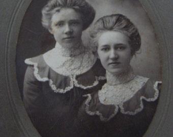 Antique Photo  Beautiful Edwardian  Sisters  Cabinet Photo