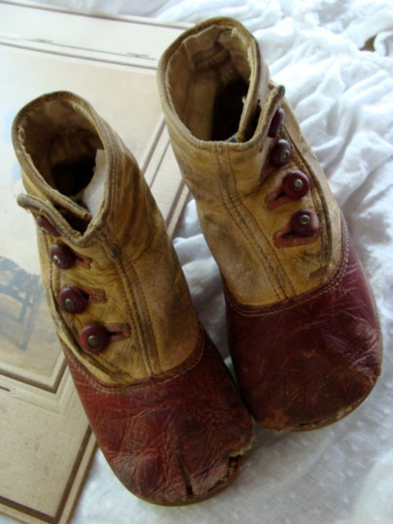 Amazing  Edwardian Gorgeous High Button up Boots for Small Child