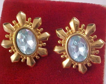 SPECTACULAR - AVON  -  Blue Topaz Crystals Faceted Post Earrings