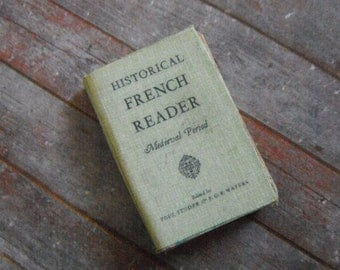 Miniature Book --- Historical French Reader