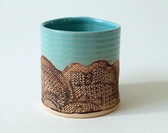 Handmade Floral Lace Tumbler in Turquoise
