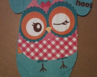 "Pack of 30 Baby shower 'shirt' shaped napkins or banner decoration with cute owl.  ""Hoot hoot"""