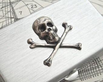 Small Pill Box Skull & Crossbones Tiny Size Silver Tone Metal Case Gothic Victorian Steampunk Pirate Accessories