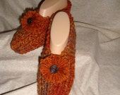 Women's Knitted Pumpkin Slippers with Pompom Size 6, 7, or 8