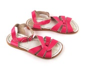 Vintage 1980s Saltwater Patent Pink Leather Sandals Women's size 4