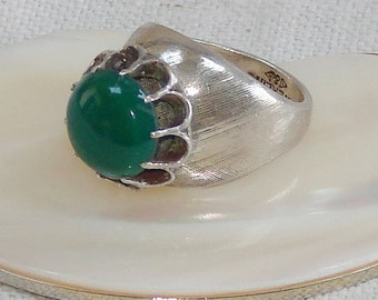 Vintage Sterling Silver and Green Chalcedony Ring
