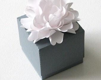 Wedding Favor  box with beautiful decorative flower set of 10
