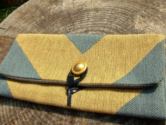 Chevron clutch - mint and gold