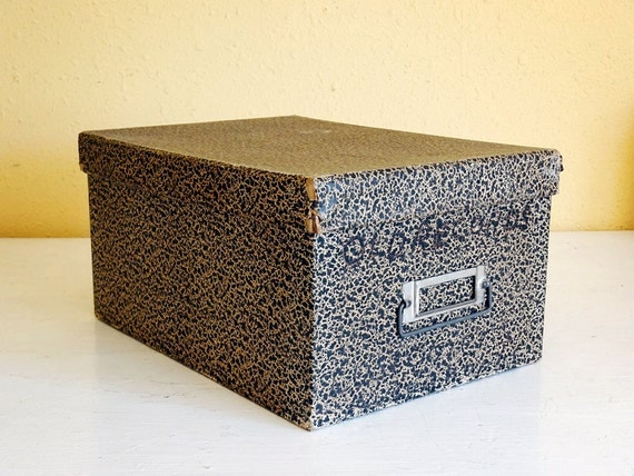 SALE vintage card file box, unusual large size (holds 8x5) by Hedges Mfg. Co.