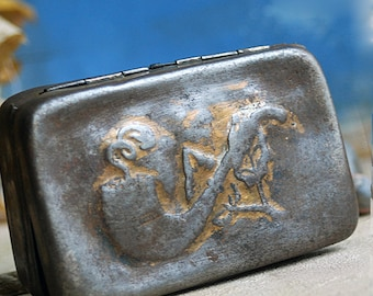 vintage metal box... Nov 10