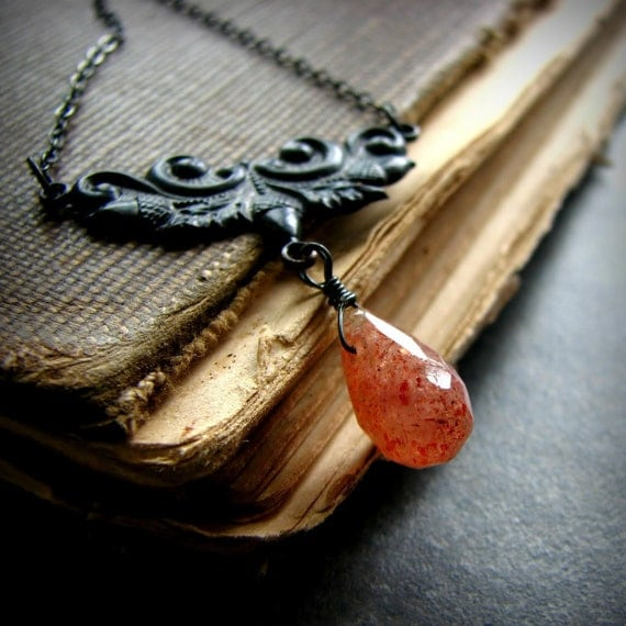 Sunstone gemstone necklace w acorn charm and sterling silver rustic elegance - Fading Memories