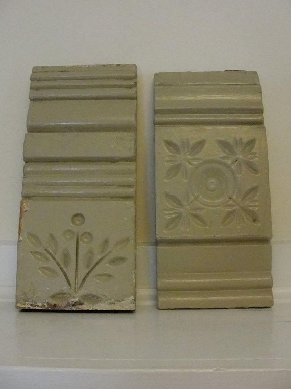2 vintage architectural pieces decorative wood trim for Antique decoration pieces