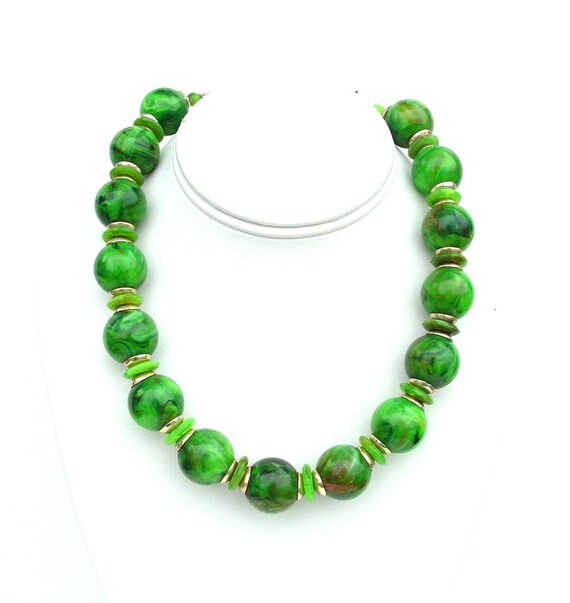 Vintage Necklace Forest Green Terrestrial Marbled Beaded Retro Jewelry