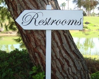 ReSTRoomS SiGn - DiReCTioNaL WeDDiNg SiGnS -  CLaSSiC StyLe - Custom Wedding Arrow SIGNS - 4ft Stake - Distressed WHITE