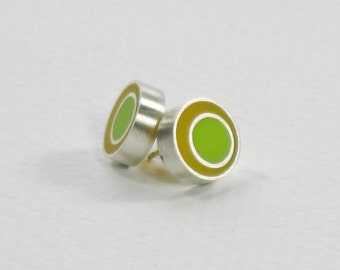 Resin Spot Silver Earrings in Yellow and Green/Sterling Silver and Resin Studs