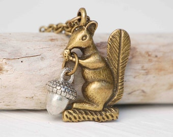 Squirrel NECKLACE Acorn Woodland Vintage Style Autumn Forest