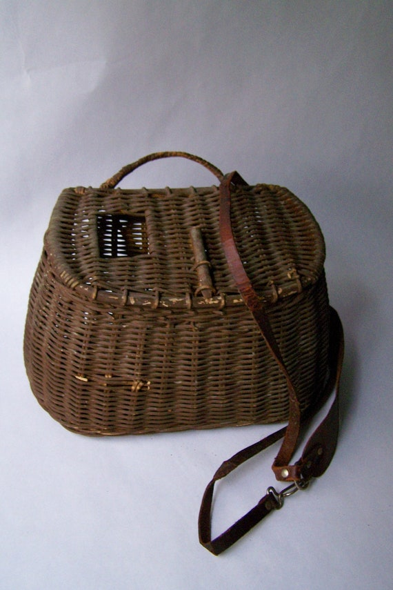 Vintage wicker and leather fishing basket by lovelyhomevintage for Fishing creel basket
