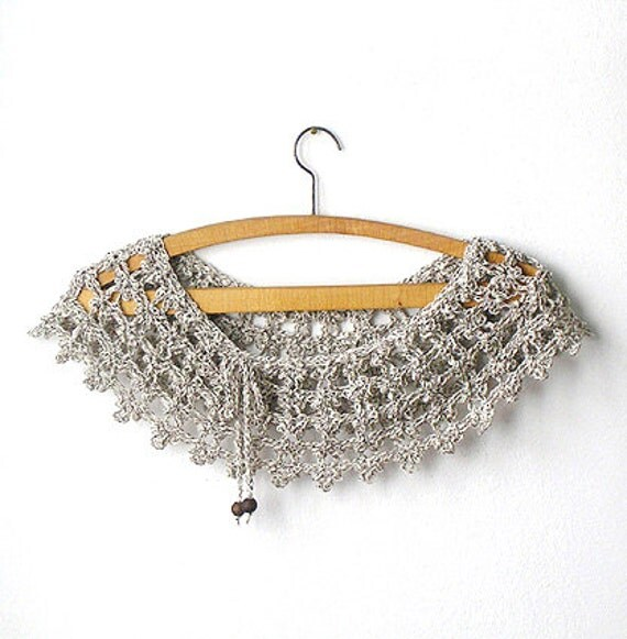 Lace Collar  White and Grey Blended