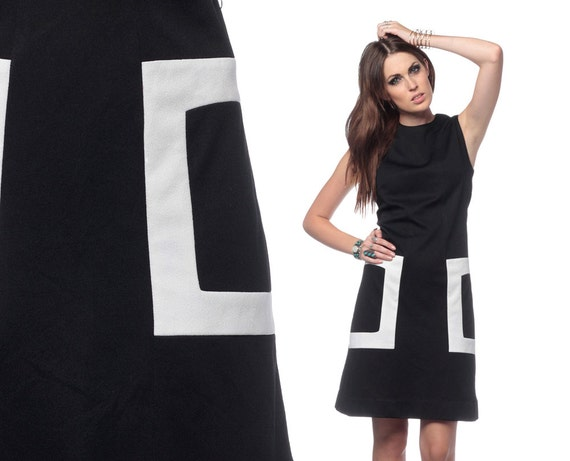 1960s Mod Dress Black and White Color Block 60s Mini Shift Plus Size Space Age Sleeveless Sixties Cocktail Twiggy Minidress Extra Large XL