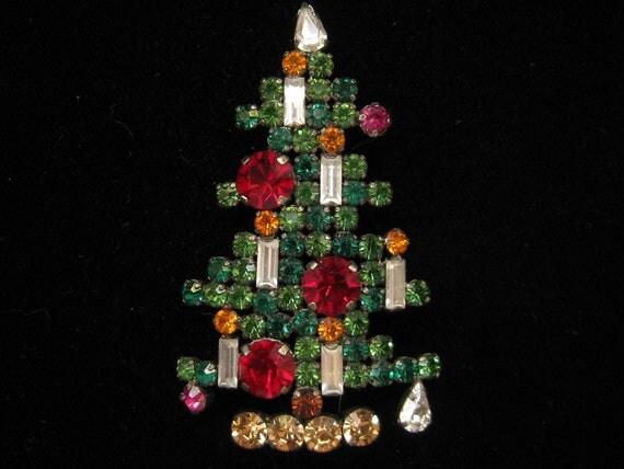 Vintage Austrian Crystal Rhinestone Christmas Tree Pin