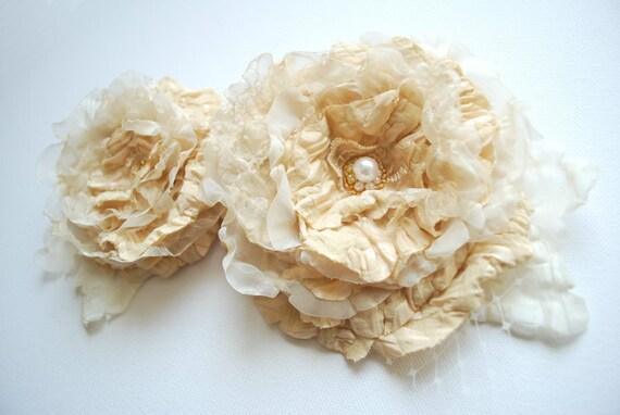 Cream brulee-ivory romantic roses-Set of two-Vintage inspired-Weddings Accessories Hair Bride Bridesmaids-Brooch,comb,sash.
