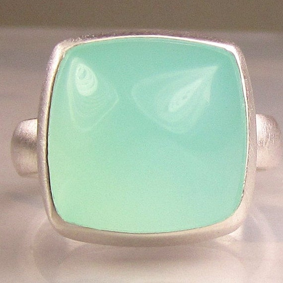 Sea Green Chalcedony Sugarloaf Cocktail Ring in Sterling Silver
