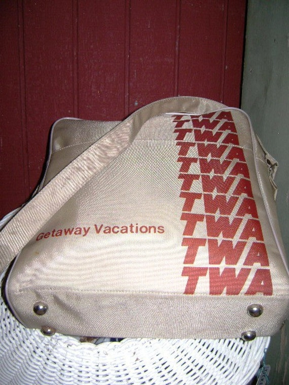 Vintage TWA Airline Travel Tote Carry on,  Zip Around Tote Shoulder Bag, Retro Trans World Airline Getaway Vacation, Promotional Advertising
